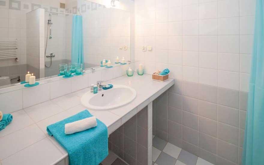 odeur salle de bain awesome le truc efficace pour chasser les mauvaises odeurs de la maison. Black Bedroom Furniture Sets. Home Design Ideas