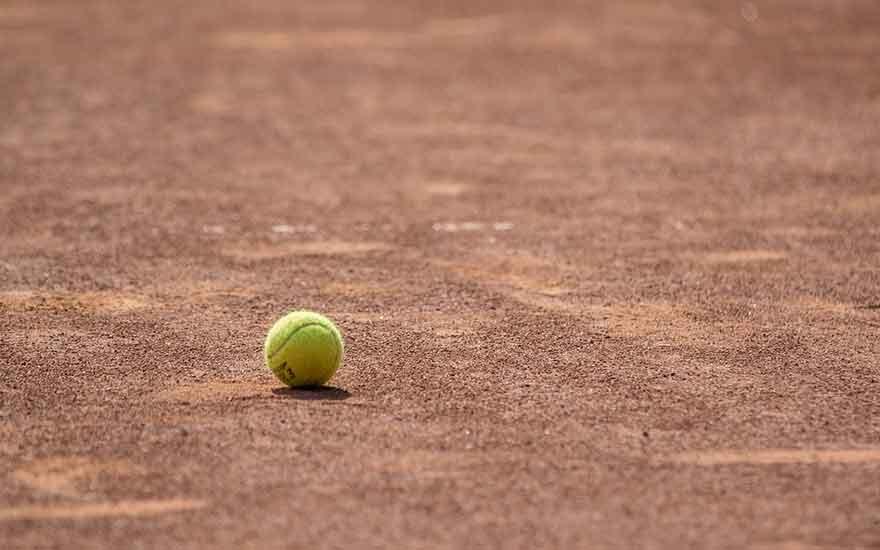 construire un terrain de tennis chez soi