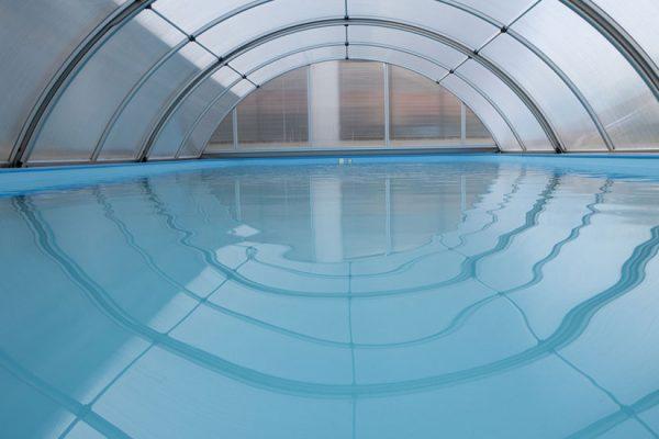entretenir un abri de piscine