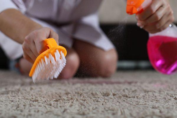 traces de brulure tapis