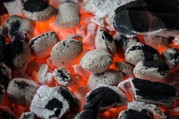 faure du charbon de bois