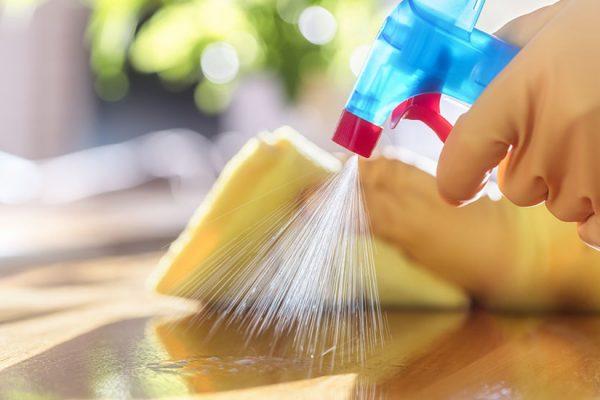 nettoyer une cuisine en bois encrassee