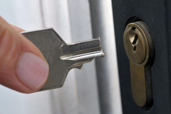 clé cassee dans serrure que faire