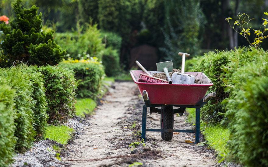 outils entretien jardin