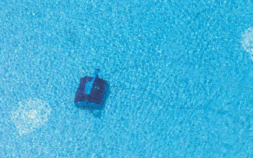 nettoyage robot piscine