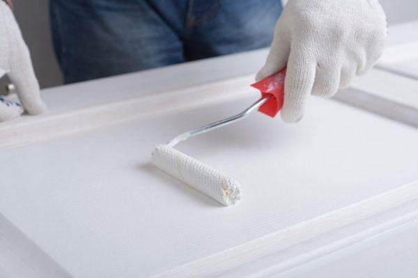comment peindre une porte de chambre